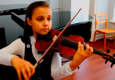 Семира Ковалева. Донецк. 1 место на конкурсе «Родные просторы»(ссылка на видео под фото)